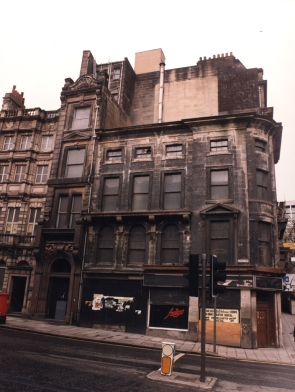 Type : Photograph Medium : Print-colour Description : A view of Grey Street Newcastle upon Tyne taken in 1989. The photograph shows the former 'Amigos' restaurant on the corner of Grey Street and Mosley Street. The building is now empty and derelict. Collection : Local Studies Printed Copy : If you would like a printed copy of this image please contact Newcastle Libraries www.newcastle.gov.uk/tlt quoting Accession Number : 053720